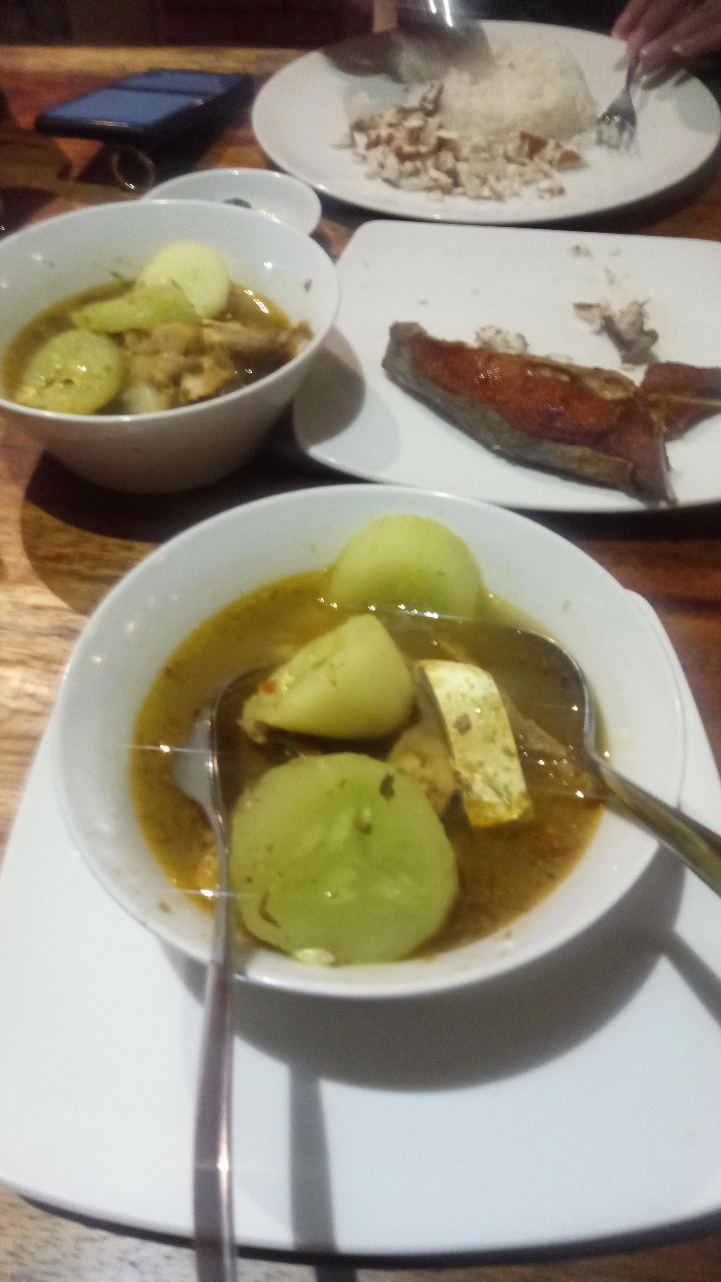 sup kepala ikan dan ikan goreng warung mak beng